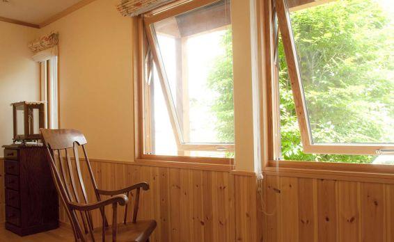スウェーデンハウス 木製サッシ