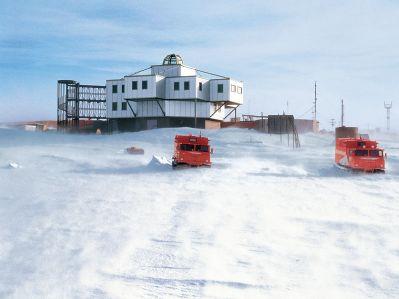 南極・昭和基地(居住棟)